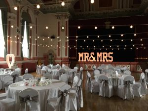MR-&-MRS-4FT-LED-COLOUR-CHANGING-LETTERS-Weddings- stage-disco