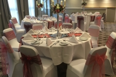 table-center-pieces-candles-sashes