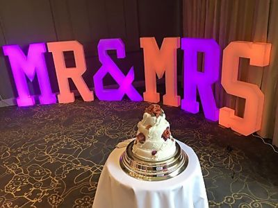 4FT_Mr_and_Mrs_letters_weddings_engagement.JPG