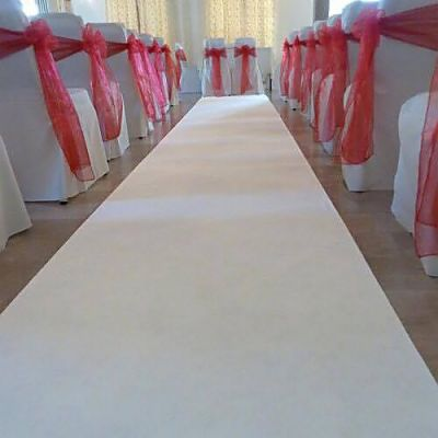aisle-white-runner-wedding.jpg
