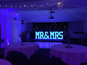 MR-&-MRS-4FT-LED-COLOUR-CHANGING-LETTERS-Weddings